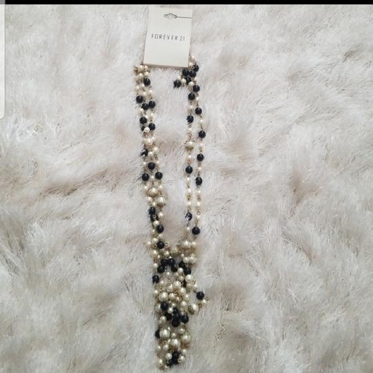 Forever 21 Faux pearl black and white necklace