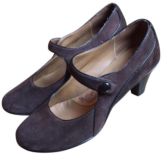 Preload https://item2.tradesy.com/images/eurosoft-by-sofft-brown-chunky-steampunk-pumps-size-us-9-regular-m-b-23175411-0-1.jpg?width=440&height=440