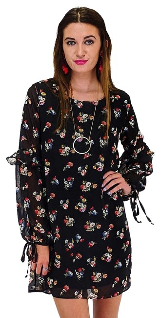Preload https://item5.tradesy.com/images/everly-black-short-casual-dress-size-8-m-23175419-0-1.jpg?width=400&height=650