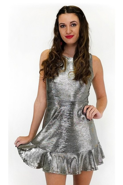 Preload https://item4.tradesy.com/images/everly-silver-short-casual-dress-size-8-m-23175423-0-0.jpg?width=400&height=650