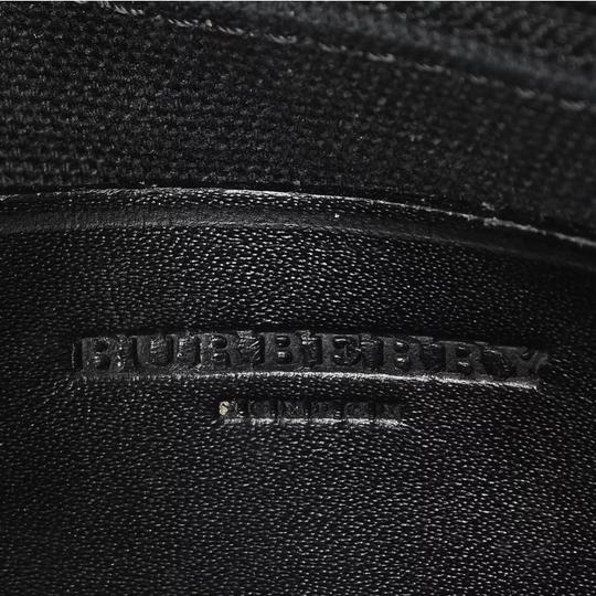 Burberry Tote in black and white