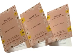 Marc Jacobs 3 Pcs Marc Jacobs Daisy Eau So Fresh Edt Mini