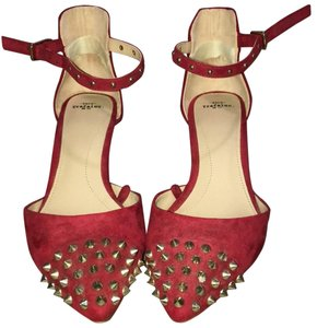 Trafaluc red Pumps