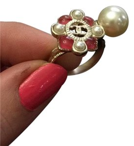 Chanel New with Tag 16p Pearly white red Ring Size 52