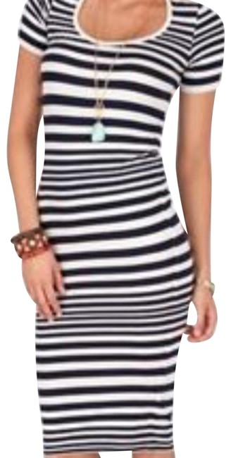 Preload https://img-static.tradesy.com/item/23178422/french-connection-navy-and-white-marissa-striped-bodycon-mid-length-casual-maxi-dress-size-8-m-0-1-650-650.jpg