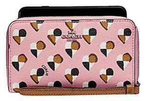 Coach COACH PHONE WALLET WITH CHECKER HEART PRINT F25963