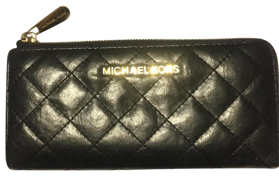 4bb932dc6dd97 Michael Kors Black Quilted Zippered Wallet - Tradesy