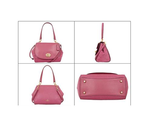 Coach Satchel in pink Image 1