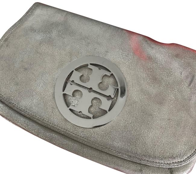 Item - Silver with Silver Hardware Leather Clutch