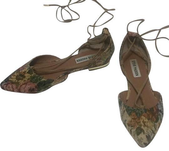 Preload https://img-static.tradesy.com/item/23180394/steve-madden-walkie-floral-brocade-flats-size-us-75-regular-m-b-0-1-540-540.jpg