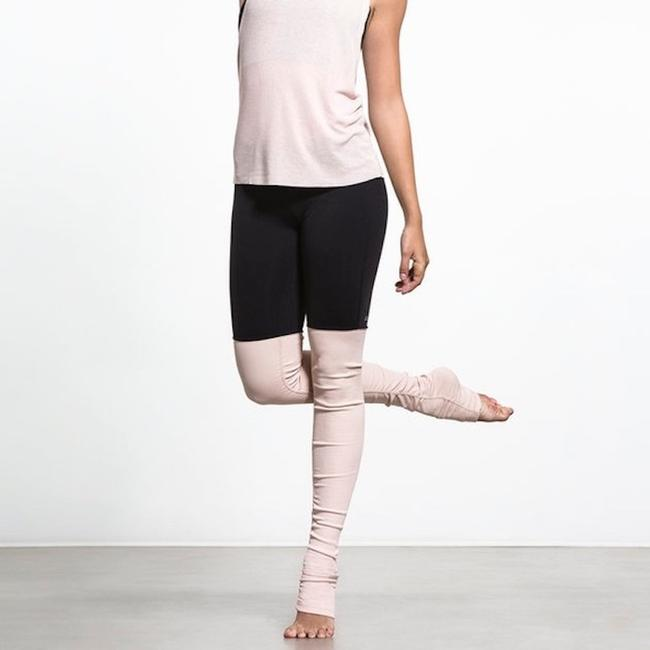 Alo Goddess Ribbed Leggings Black over Rose Water Image 2