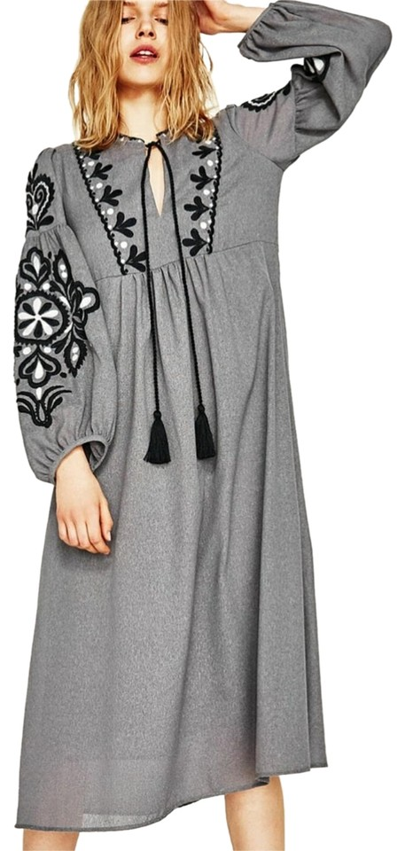 Zara Grey Embroidered 6895 Mid Length Formal Dress Size 2 Xs