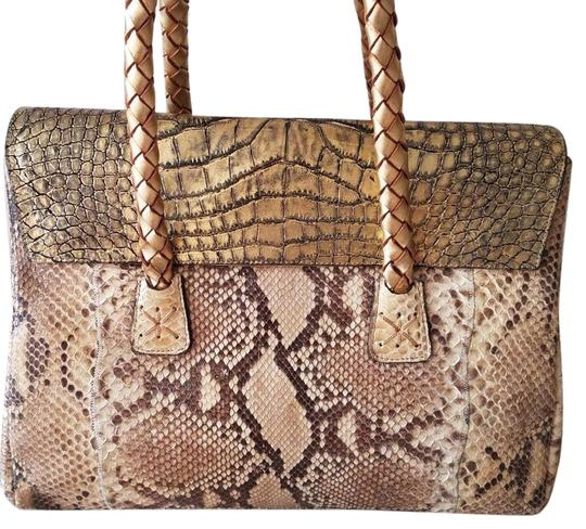 Preload https://img-static.tradesy.com/item/23180968/carlos-falchi-crocpython-gold-python-skin-leather-satchel-0-1-540-540.jpg