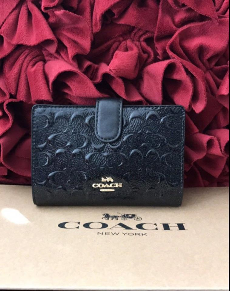 c5b17aa6 Coach Black Corner Zip Debossed Medium F25937) Wallet 62% off retail