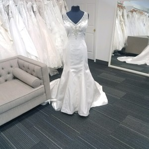Christina Wu Ivory Satin 15535 Formal Wedding Dress Size 8 (M)