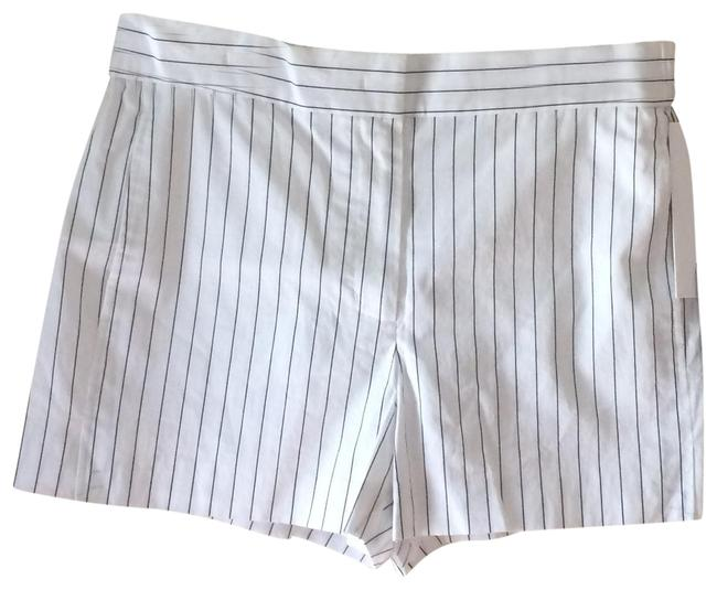 Preload https://img-static.tradesy.com/item/23181667/dkny-black-and-white-pin-striped-front-tab-pleated-shorts-size-10-m-31-0-1-650-650.jpg