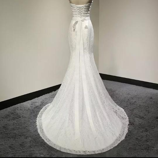 White Lace Sweetheart Formal Wedding Dress Size 6 (S) Image 2
