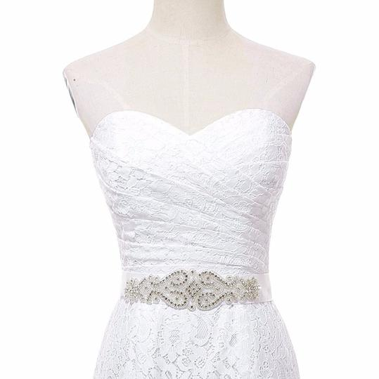 White Lace Sweetheart Formal Wedding Dress Size 6 (S) Image 3