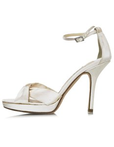 Jimmy Choo Sateen Heel Pump ivory Sandals