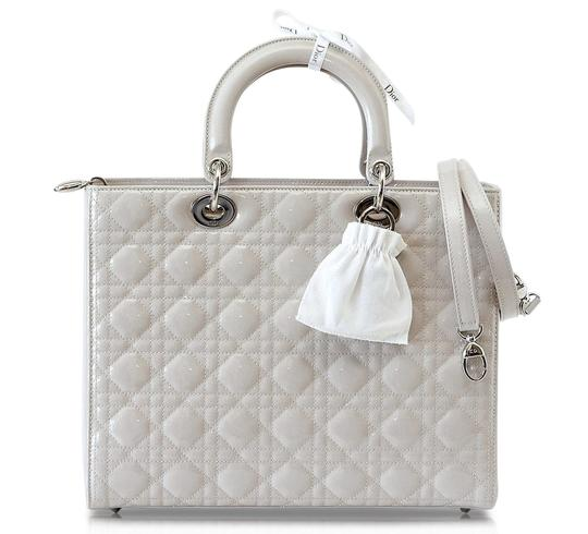 Preload https://img-static.tradesy.com/item/23182401/dior-lady-dior-pearl-quilted-cannage-large-gray-patent-leather-tote-0-0-540-540.jpg