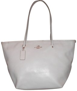 Coach Shoulder Leather Tote in chalk