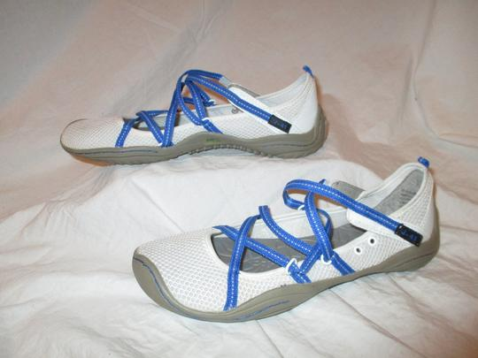 J-41 Barefoot Mesh Light Weight white & blue Athletic Image 2
