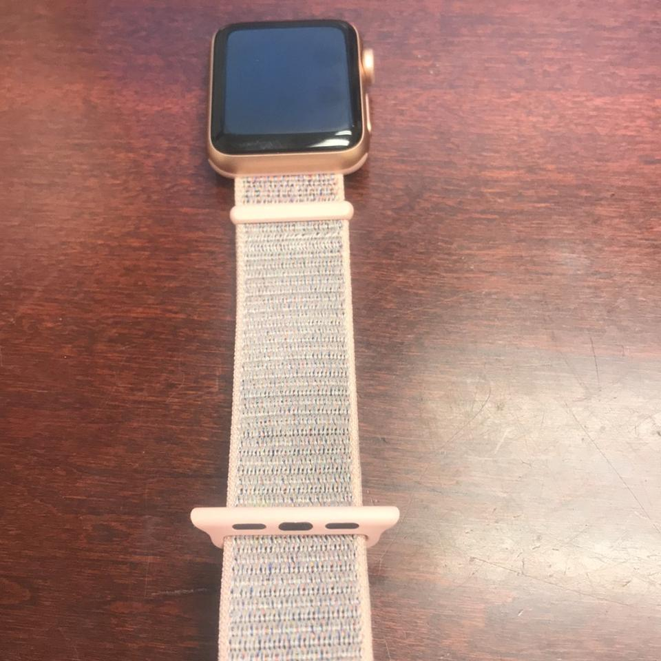 best service b538c 91634 Apple Gold Aluminum Case with Pink Sand Sport Loop Series 3 Watch 34% off  retail
