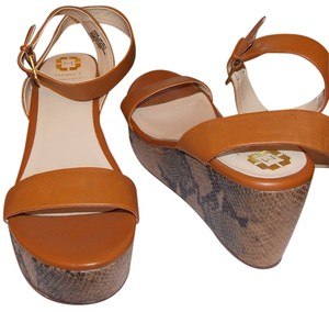 Monet Wedges