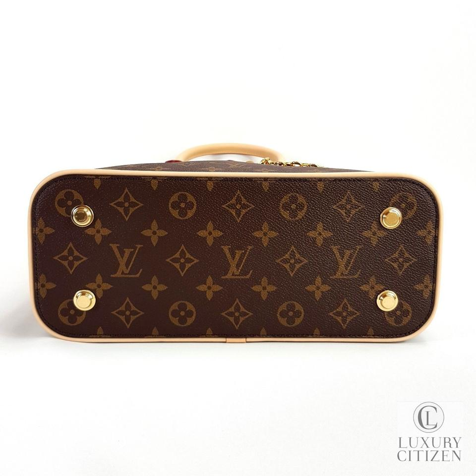 972120e10096 Louis Vuitton Carry All Mm Monogram Tote in Brown Image 11. 123456789101112