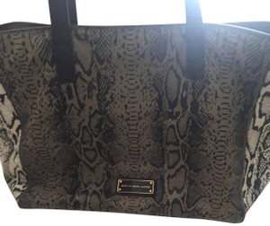 Marc by Marc Jacobs Tote in Black and brown