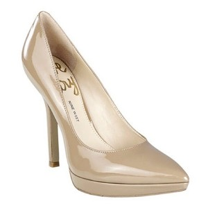Nine West Patent Leather tan nude Pumps