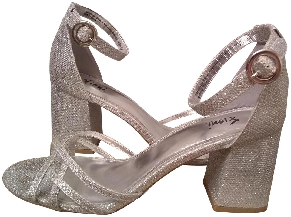 47eb7df67d9 Fioni Silver Sparkle Time Formal Shoes Size US 9 Regular (M