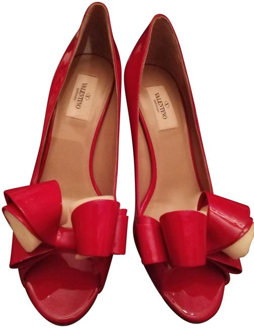 Item - Red Patent Leather with Bow Pumps Size EU 38.5 (Approx. US 8.5) Regular (M, B)