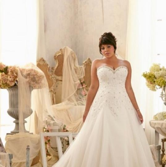 Preload https://img-static.tradesy.com/item/23196982/mori-lee-ivory-lace-and-tulle-julietta-feminine-wedding-dress-size-18-xl-plus-0x-0-3-540-540.jpg