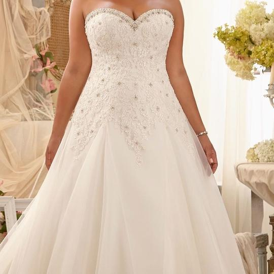 Mori Lee Ivory Lace and Tulle Julietta Feminine Wedding Dress Size 18 (XL, Plus 0x)