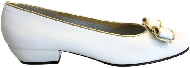 Item - White/Gold Leather Flats Size US 7 Regular (M, B)