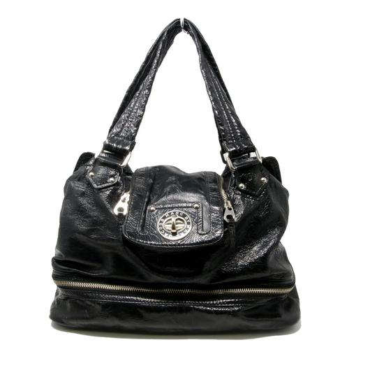 Preload https://img-static.tradesy.com/item/23198122/marc-by-marc-jacobs-with-bottom-zip-compartment-black-patent-leather-shoulder-bag-0-3-540-540.jpg