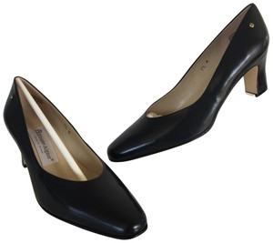 0d9b643e908 Etienne Aigner Pumps - Up to 90% off at Tradesy