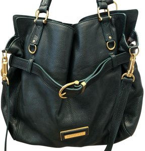 Burberry Tote in green