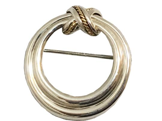 Preload https://img-static.tradesy.com/item/23198441/tiffany-and-co-silver-round-18k-rope-brooch-0-0-540-540.jpg