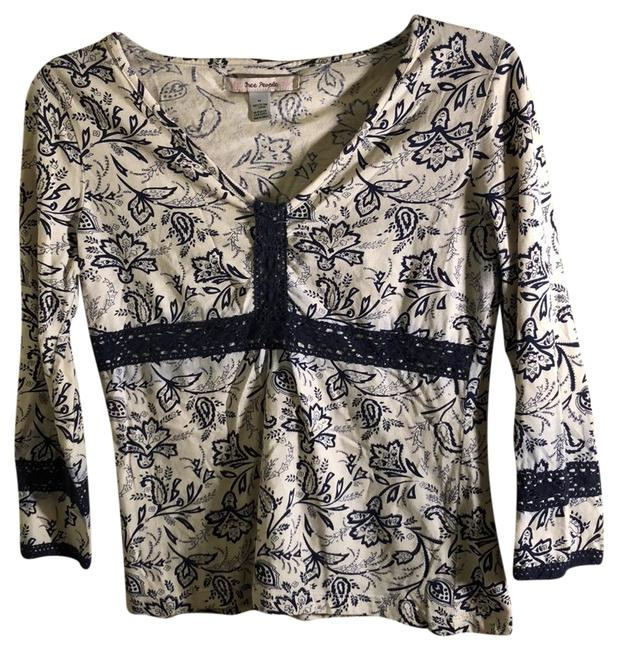 Preload https://img-static.tradesy.com/item/23198954/free-people-navy-and-white-festival-tunic-size-8-m-0-1-650-650.jpg