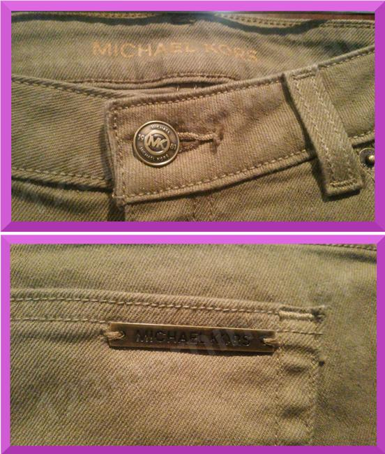 MICHAEL Michael Kors Fit 98% Cotton Traditional Style Bronze Hardware Plate Skinny Jeans-Dark Rinse Image 3