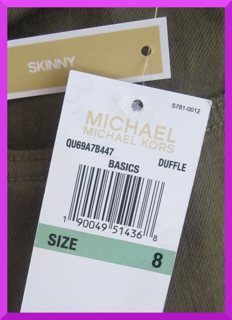 MICHAEL Michael Kors Fit 98% Cotton Traditional Style Bronze Hardware Plate Skinny Jeans-Dark Rinse Image 4