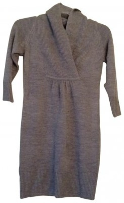 Preload https://item1.tradesy.com/images/h-and-m-heather-gray-long-short-casual-dress-size-6-s-23200-0-0.jpg?width=400&height=650