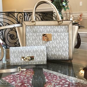 Michael Kors Signature Monogram Tina Spring Satchel in VANILLA/PALE GOLD