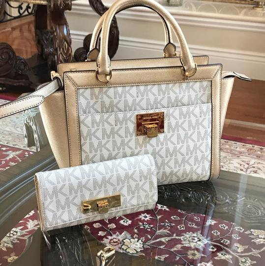 Michael Kors Signature Monogram Tina Spring Satchel in VANILLA/PALE GOLD Image 1