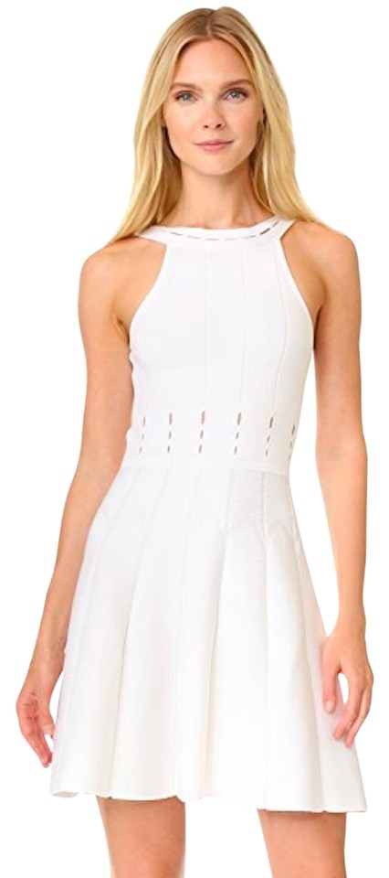 9df7ae02b1fc Cushnie et Ochs White Mini Flare Cocktail Dress. Size: 6 (S) Length: Short  ...
