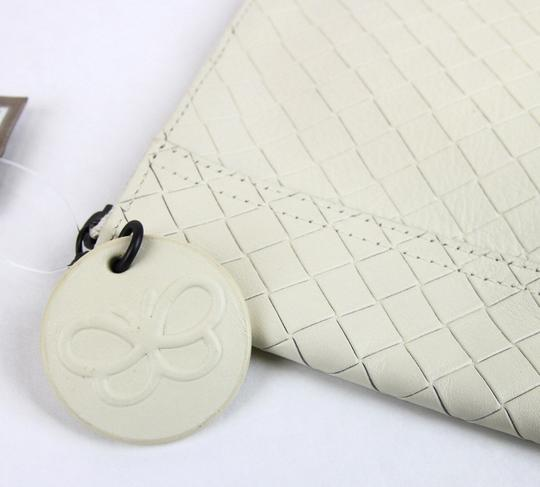 Bottega Veneta Intrecciomirage Leather White Clutch Image 4