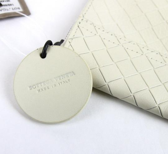Bottega Veneta Intrecciomirage Leather White Clutch Image 5