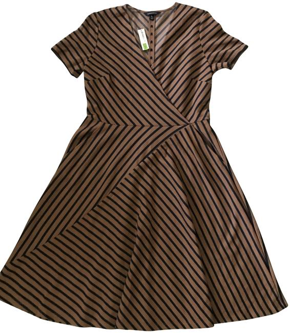 Preload https://img-static.tradesy.com/item/23201384/lands-end-camel-and-navy-line-92-mid-length-workoffice-dress-size-10-m-0-1-650-650.jpg